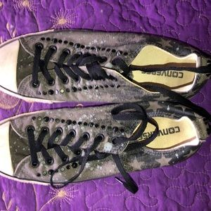 Camouflage converse with spike stones